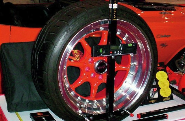 Get a range of wheel alignment and balancing tools for alignment of your car, bus, truck, Jeep and other vehicles. All types of front wheel alignment machines are available at reasonable cost.