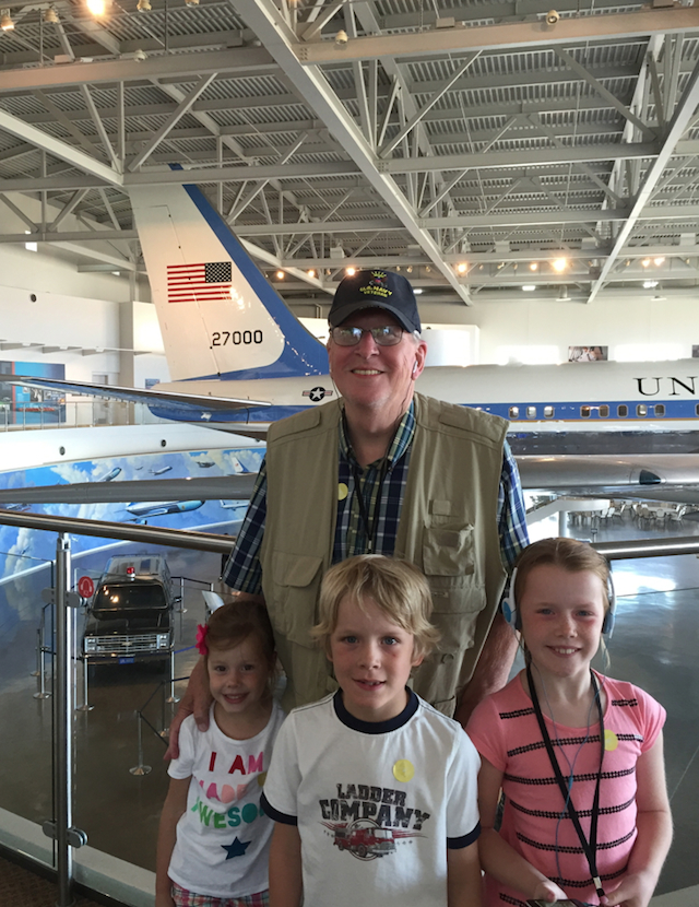 Dad_Kids_AirForceOne